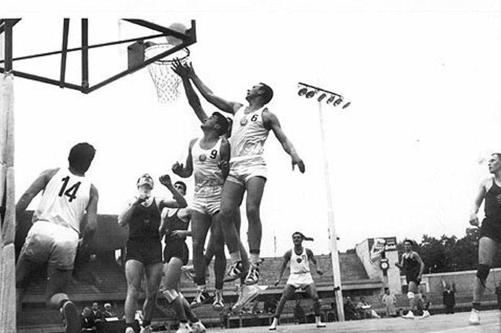 Ιστορίες από Ευρωμπάσκετ (1)