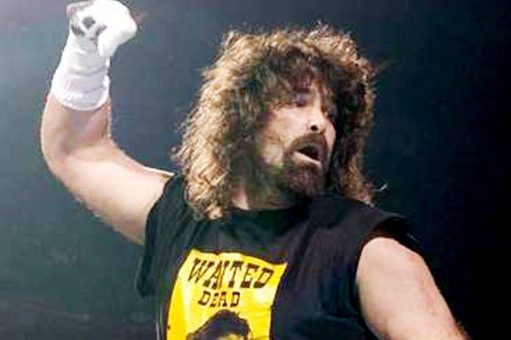 Ετοιμάζεται για WWE o Mick Foley