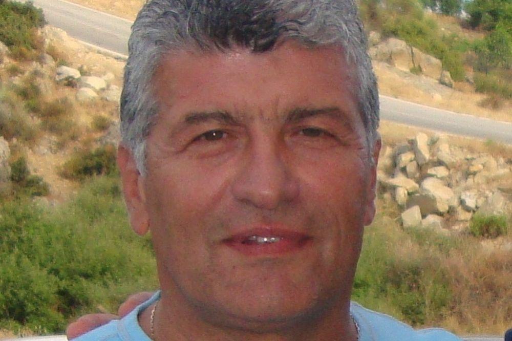 Βελισσαράκος: «Δεν έχουμε κορίτσια»
