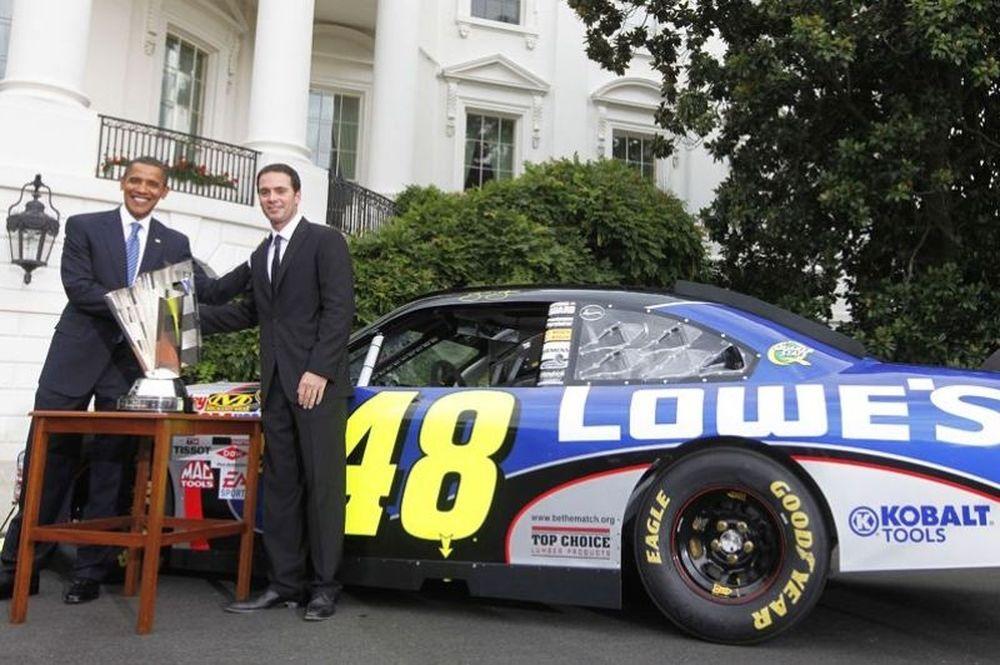 Οι οδηγοί του NASCAR σνομπάρουν τον Ομπάμα