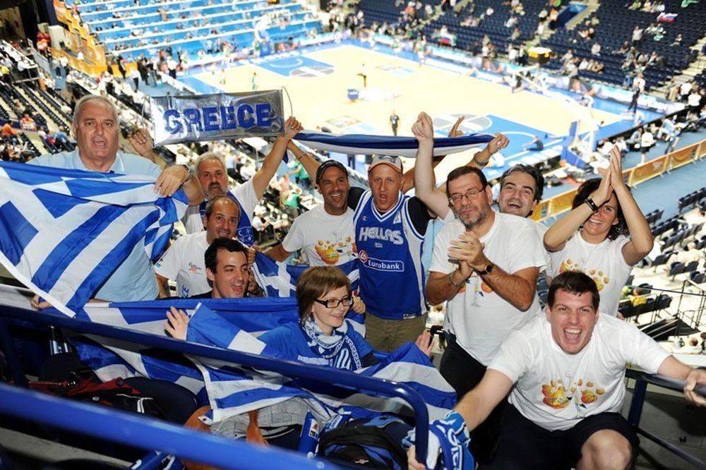 Οι Έλληνες και τα άδεια γήπεδα