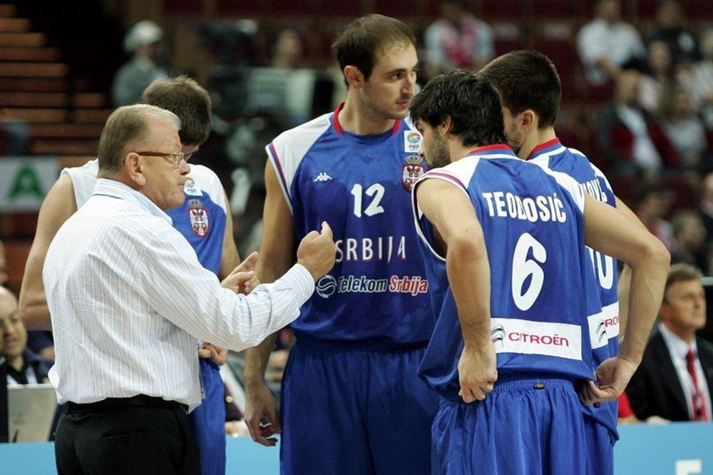Οι Σέρβοι στο δρόμο μας!