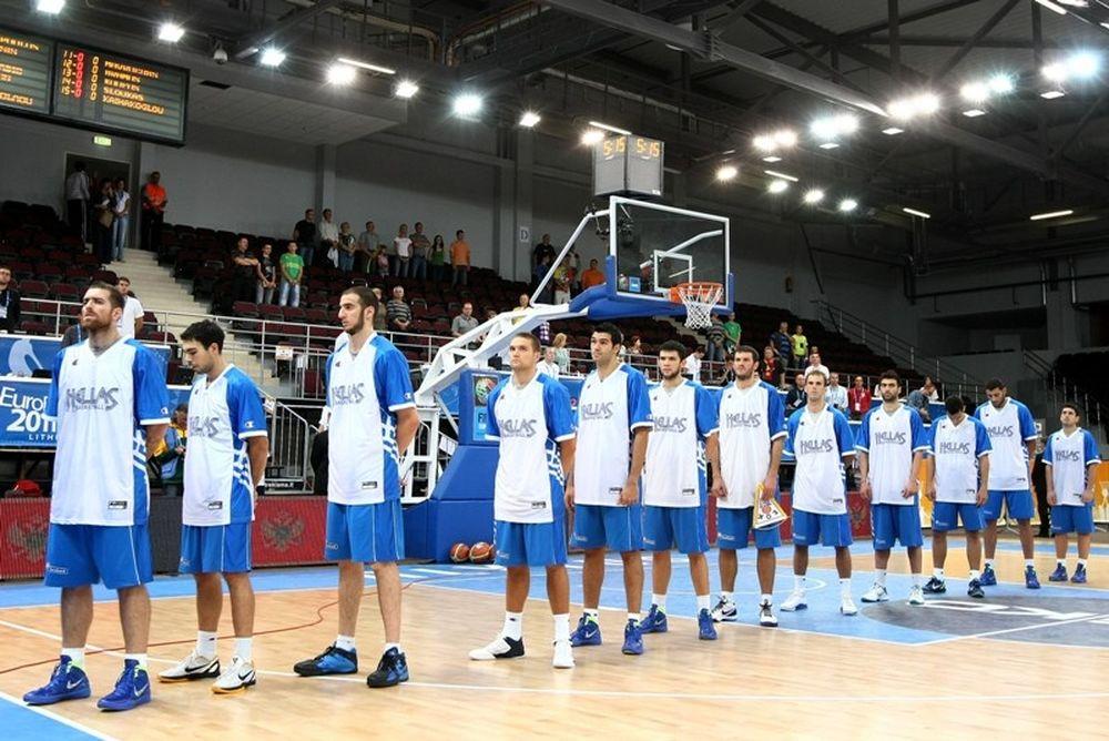 Οι διαιτητές με Σερβία