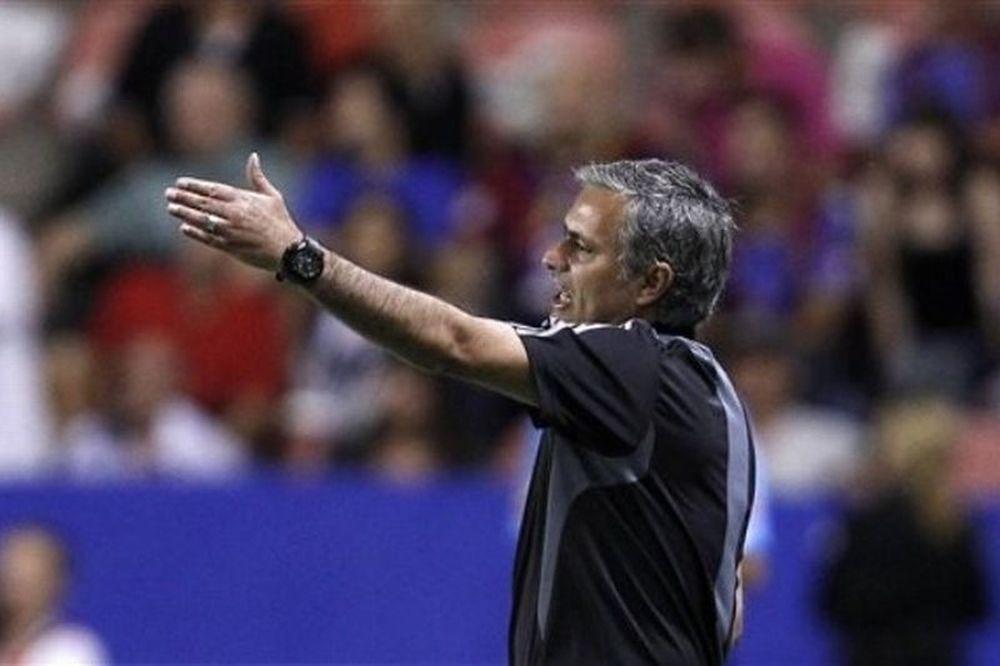 Μουρίνιο: «Κεντίρα και διαιτητής φταίνε για την ήττα»
