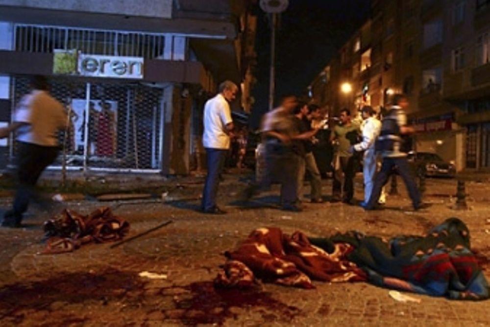 Επίθεση με χειροβομβίδα στην Τουρκία