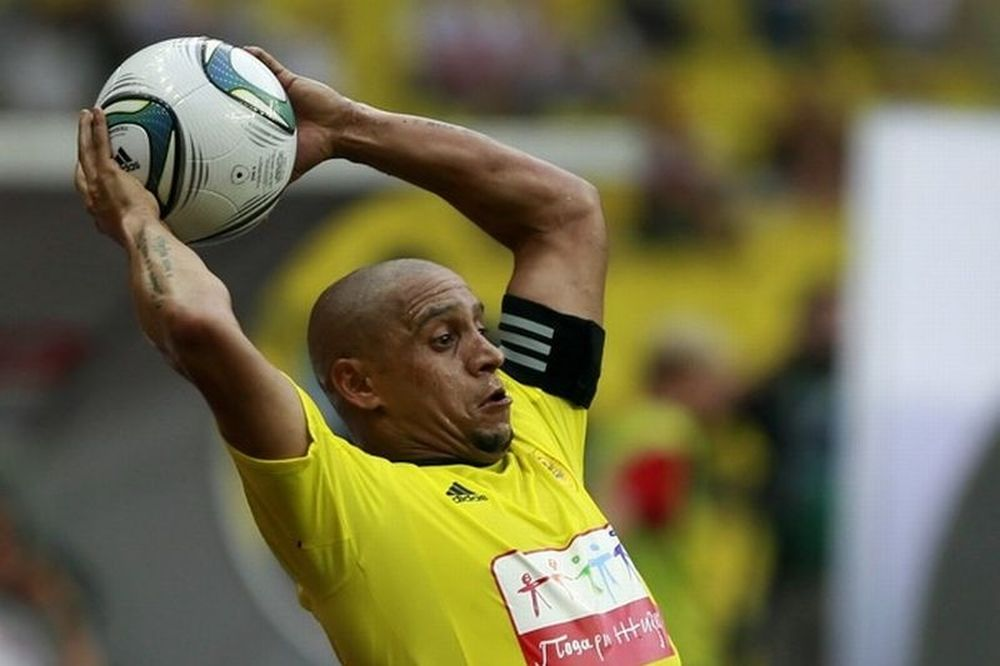 Παίκτης-προπονητής ο Ρομπέρτο Κάρλος!
