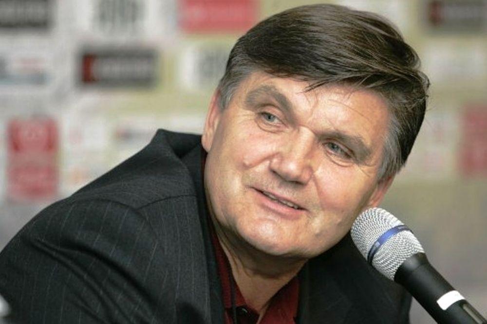 Μέιερ: «Δεν υπάρχει κρίση στην Ντόρτμουντ»