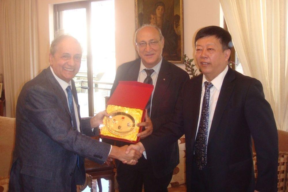 Επίσκεψη των Κινέζων στην ΕΟΕ