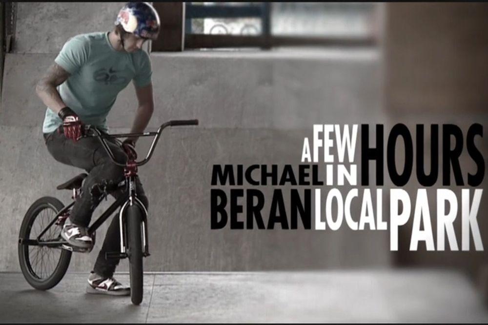 Ο Michael Beran στο τοπικό skatepark...