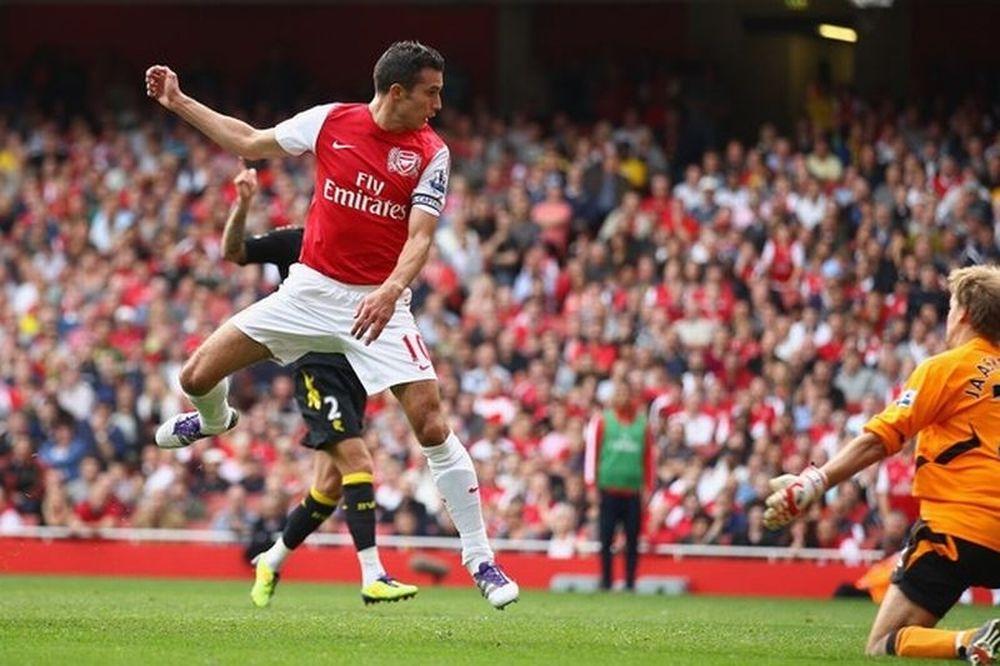 Φαν Πέρσι: «Δεν πάω σε αντίπαλο σύλλογο»