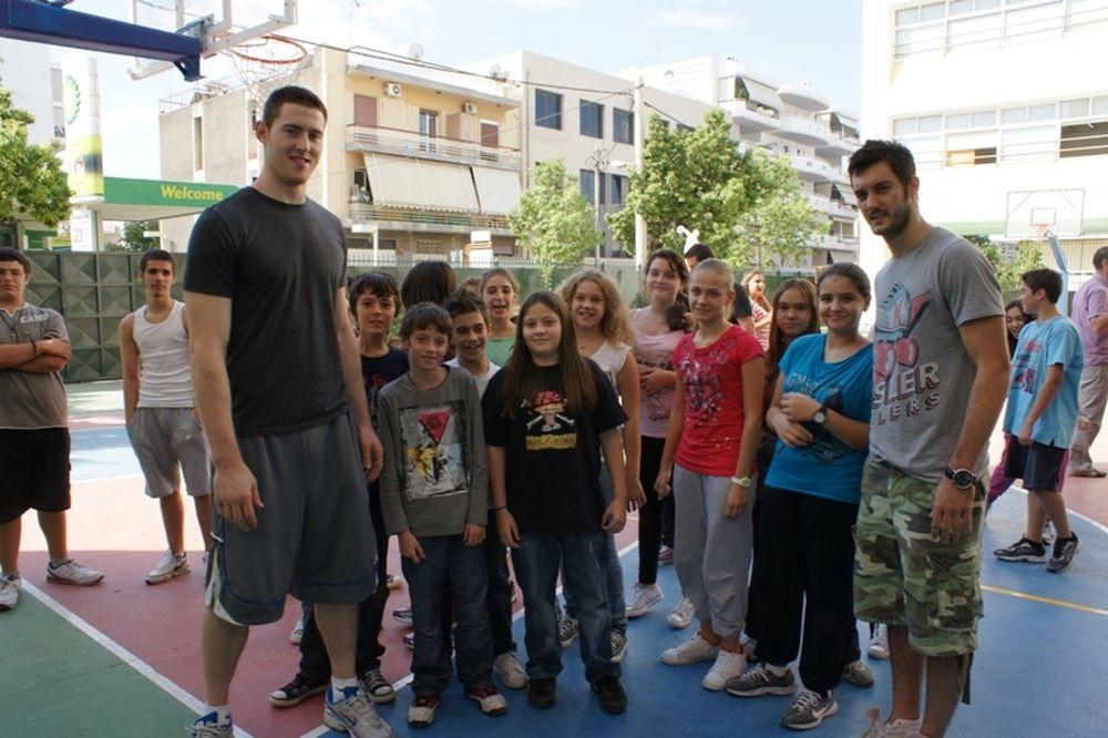 Μπέινς και Λιούμπισιτς στα εκπαιδευτήρια Λαμπίρη