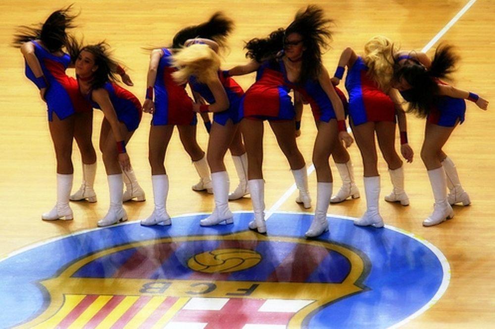 Ζητούνται… Cheerleaders! (video)