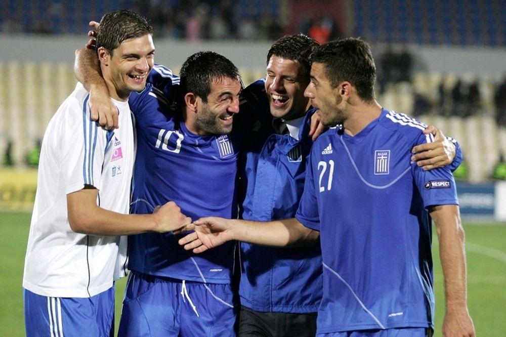 Αγκαλιά με... νόημα από τους «4» του Euro 2004