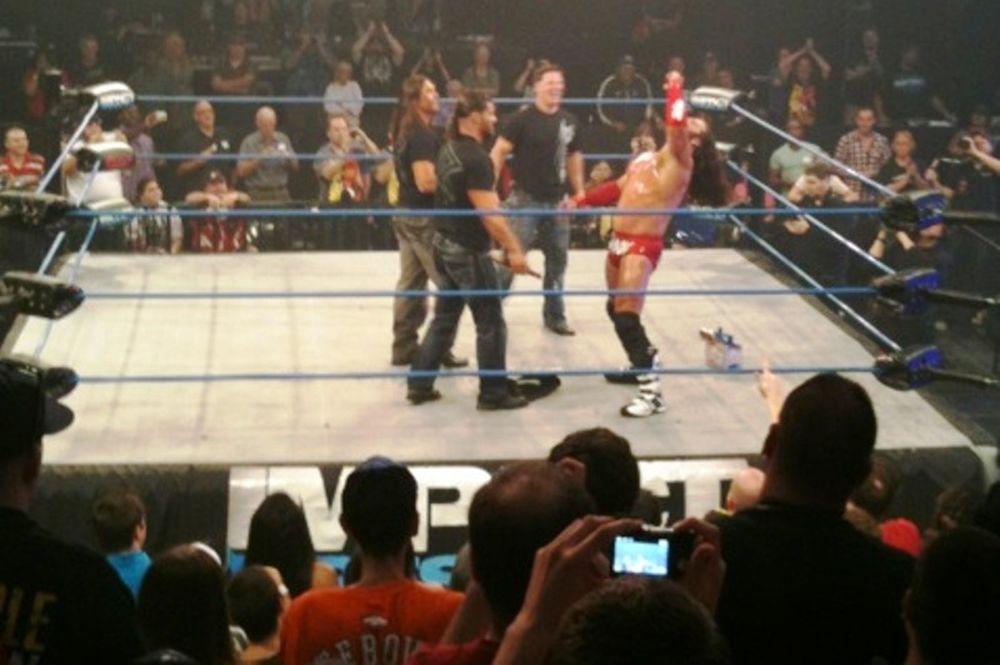 Τραυματισμένος ο Kurt Angle
