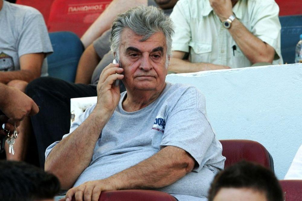 Ενοχλημένος ο Τσολακάκης, εμμένει σε παραίτηση