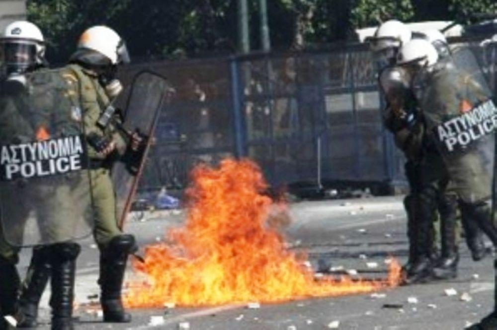 Τα επεισόδια στην Αθήνα κάνουν το γύρο του κόσμου μέσω του YouTube