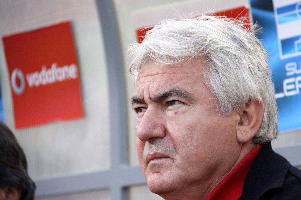 Κατσαβάκης: «Ακλόνητο φαβορί ο Ολυμπιακός»