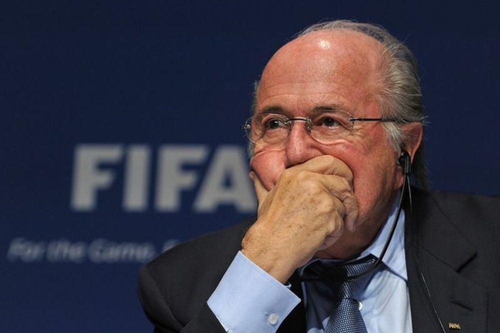 Στην τσιμπίδα της... FIFA!