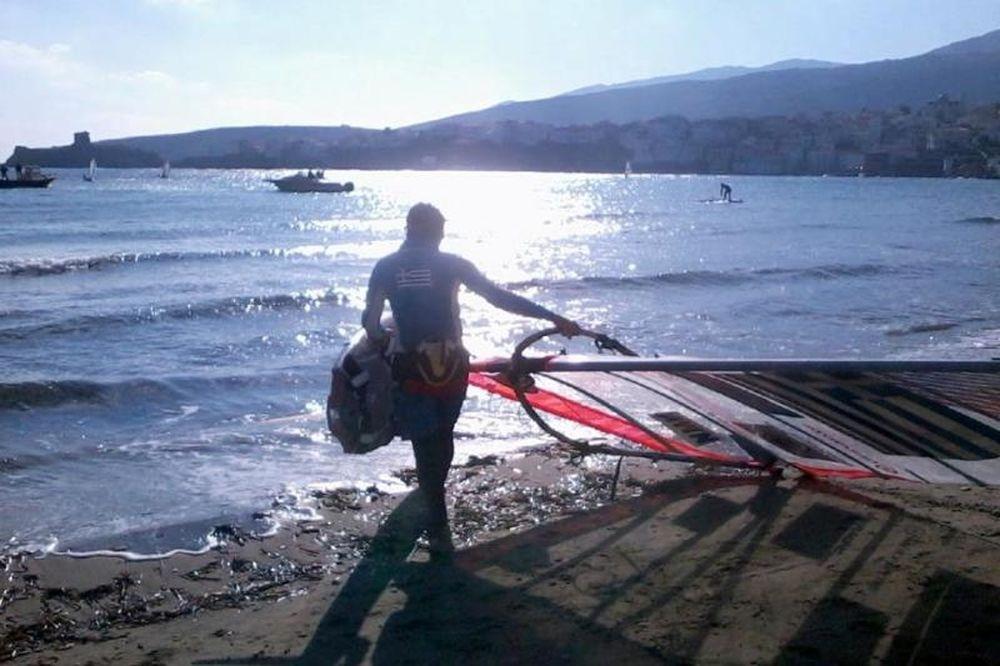 Στα κύματα ο Κακλαμανάκης (photo)