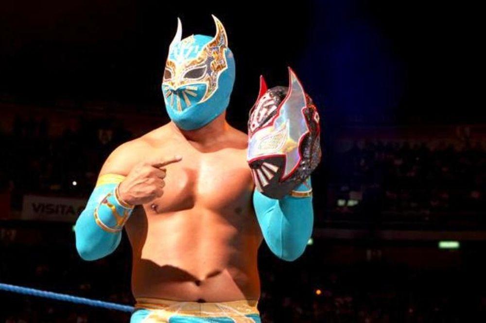 Χάθηκε μία μάσκα στο SmackDown