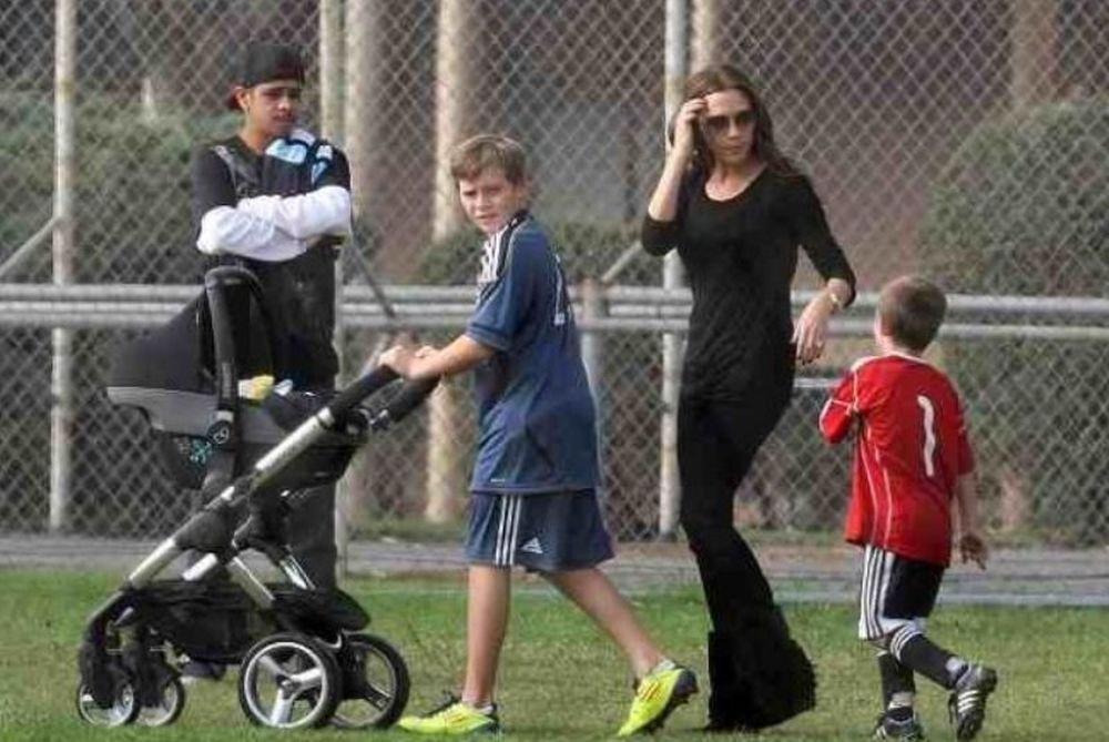 H οικογένεια Μπέκαμ στο γήπεδο