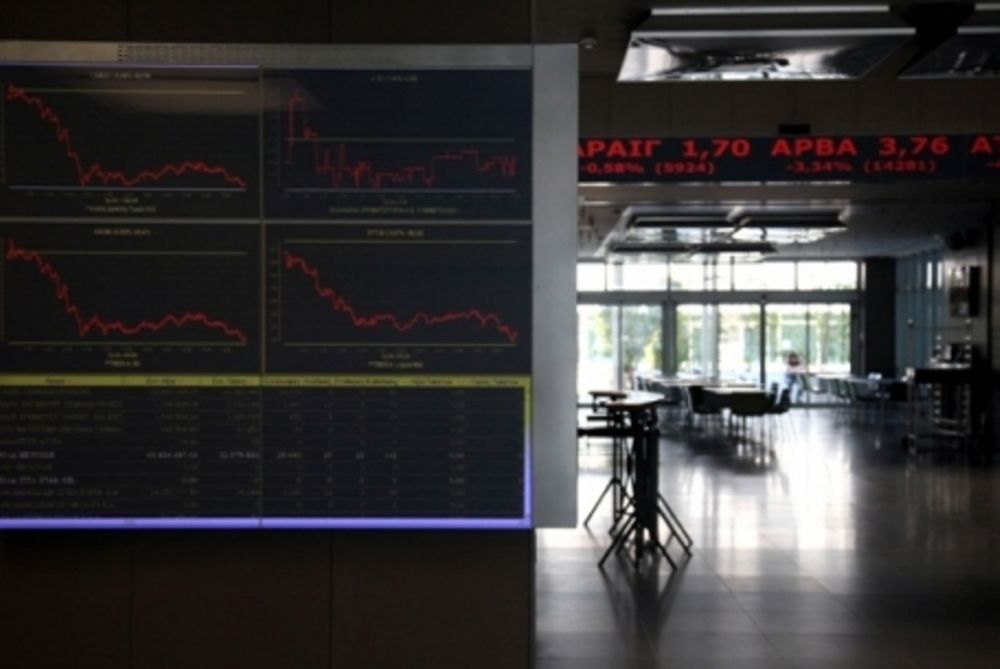 «Γκρεμίζονται» οι τιμές των τραπεζικών μετοχών (υpd)