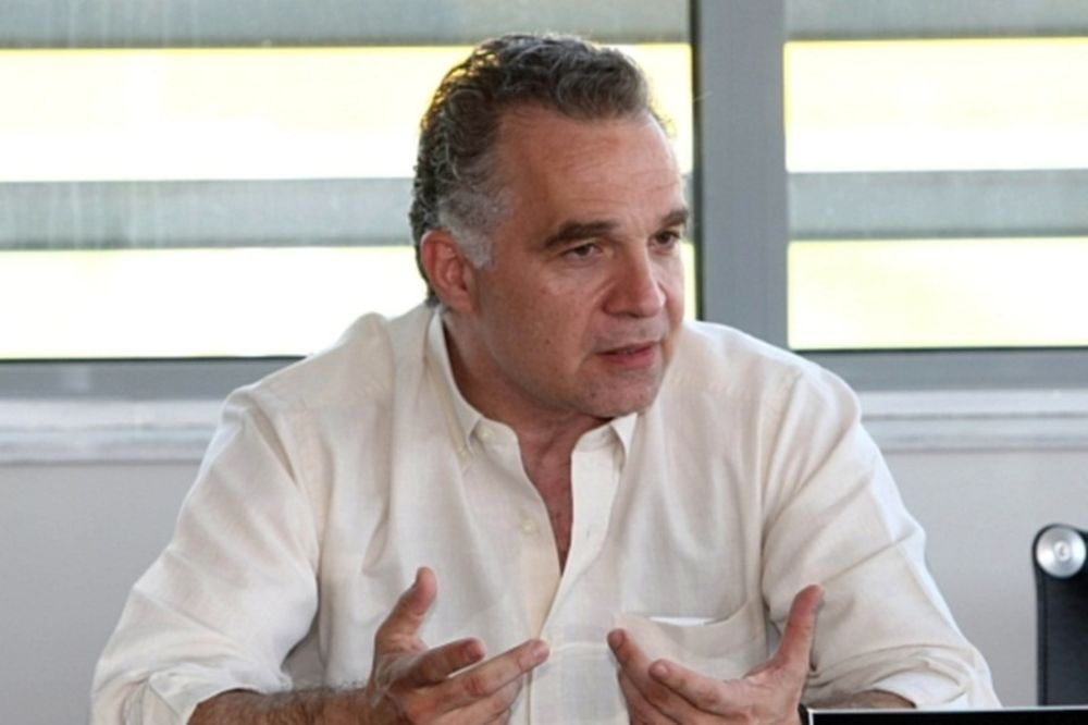 Κασνακίδης: «Θα μιλήσω με... όποιον βρεθεί»