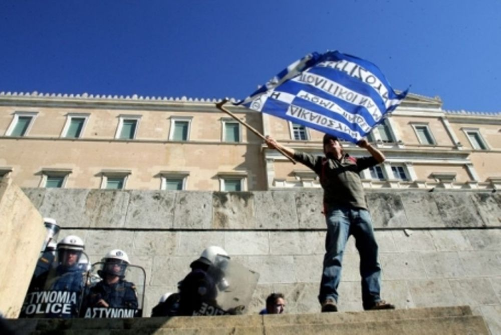Le Monde: Η Ελλάδα γίνεται η πρώτη αποικία των Βρυξελλών