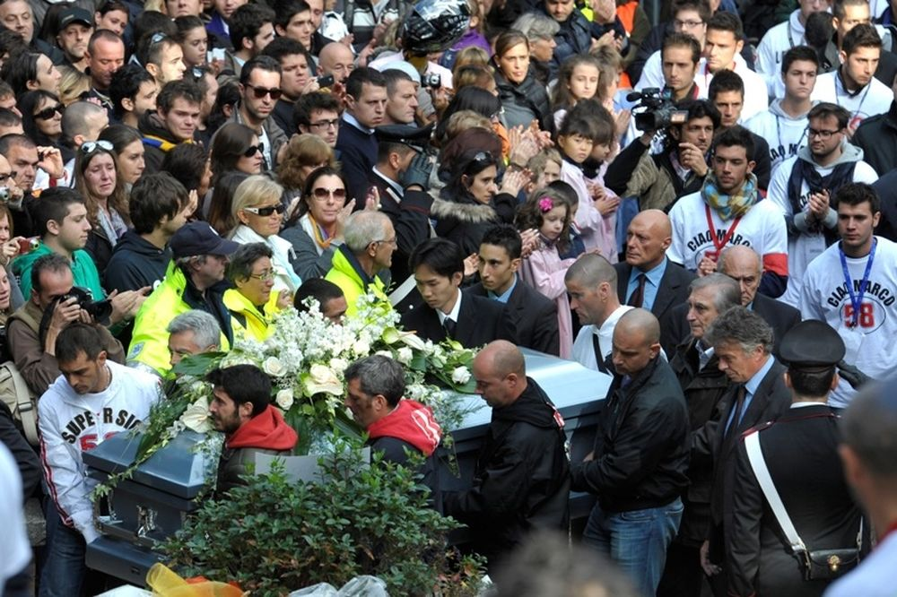 MotoGP:Το τελευταίο αντίο στον Σιμονσέλι (photos+video)