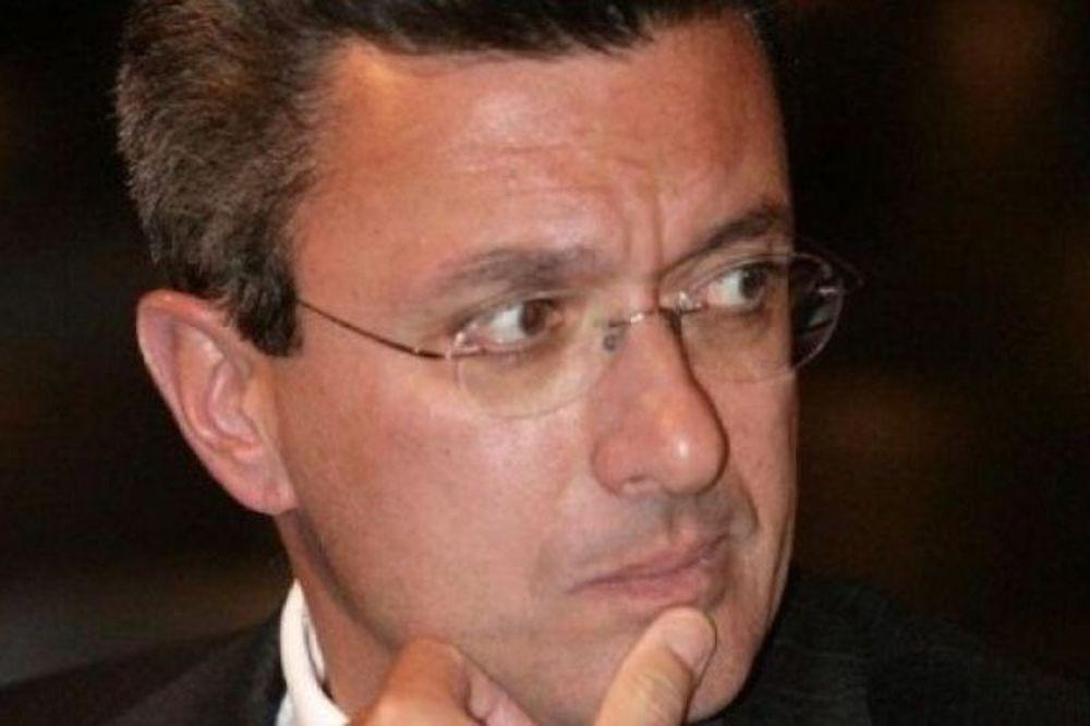 Γιατί είναι έντονα ενοχλημένος ο Νίκος Χατζηνικολάου;