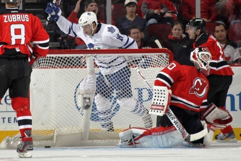 Ταχύτατο χατ τρικ ο Lupul για Leafs