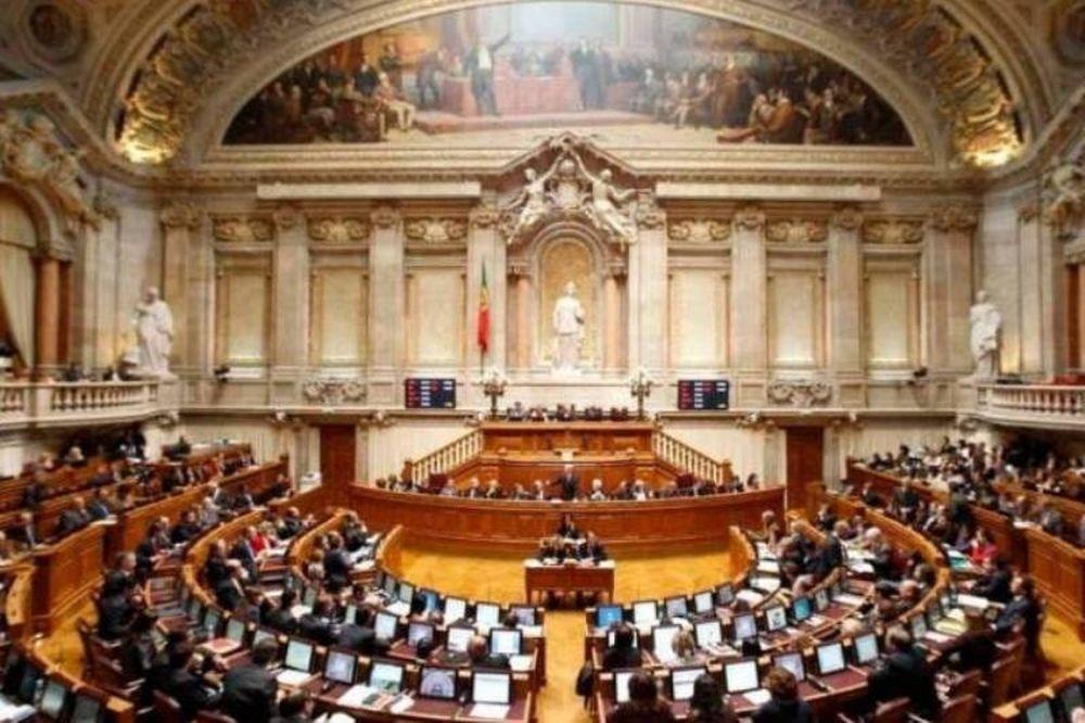 Πορτογαλικό μοντέλο για μεταβατική κυβέρνηση