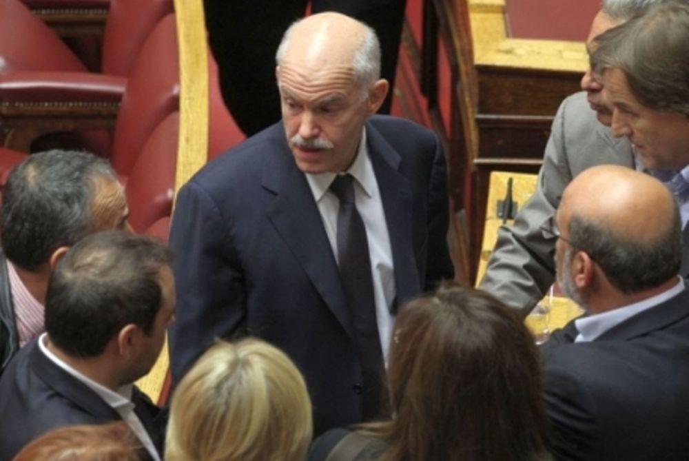 Reuters: Συμφωνία Παπανδρέου με τους βουλευτές του να αποχωρήσει