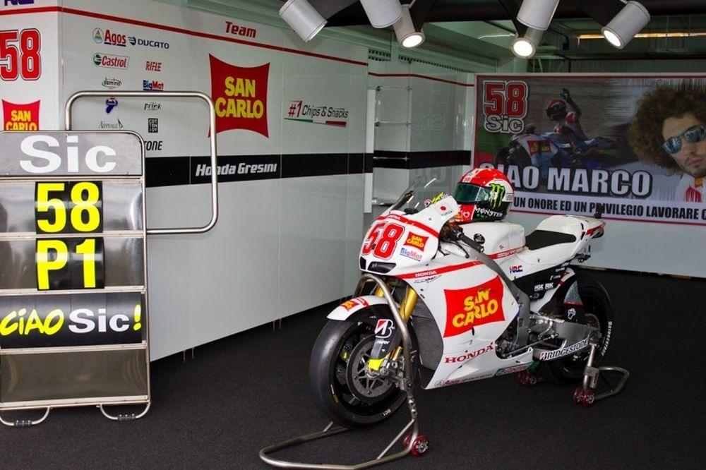 MotoGP: Οι αναβάτες τιμούν τον Σιμονσέλι στη Βαλένθια