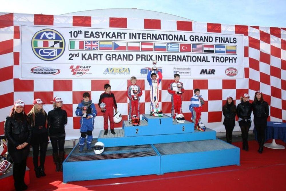 Κύπελλο και πολλές εμπειρίες για τους Έλληνες του Easykart