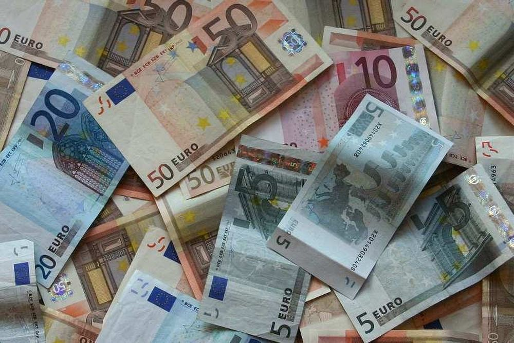 «ΠΑΕ της Αθήνας πλήρωσε 560 χιλιάδες ευρώ μετρητά»