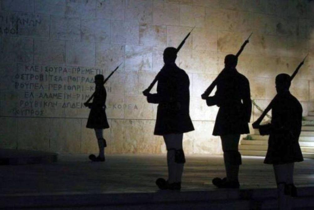 Spiegel: H Γερμανία προετοιμάζει έξοδο της Ελλάδας από το ευρώ