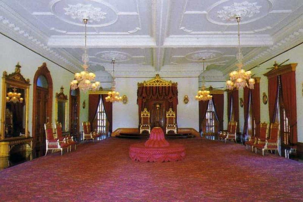 Ενοικιάζεται παλάτι, τιμές λογικές (photos)