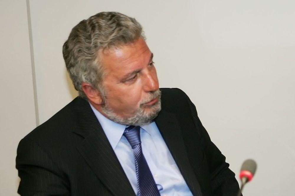 Χαρμάνης: «Επιτροπή Επαγγελματικού Αφανισμού η ΕΕΑ»
