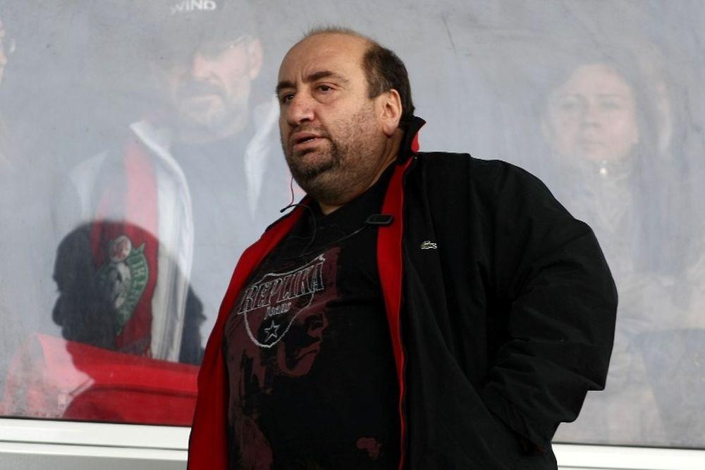 Τσάκας: «Δεν θα ρωτήσουμε τον Φερέιρα για Ροναλντίνιο»