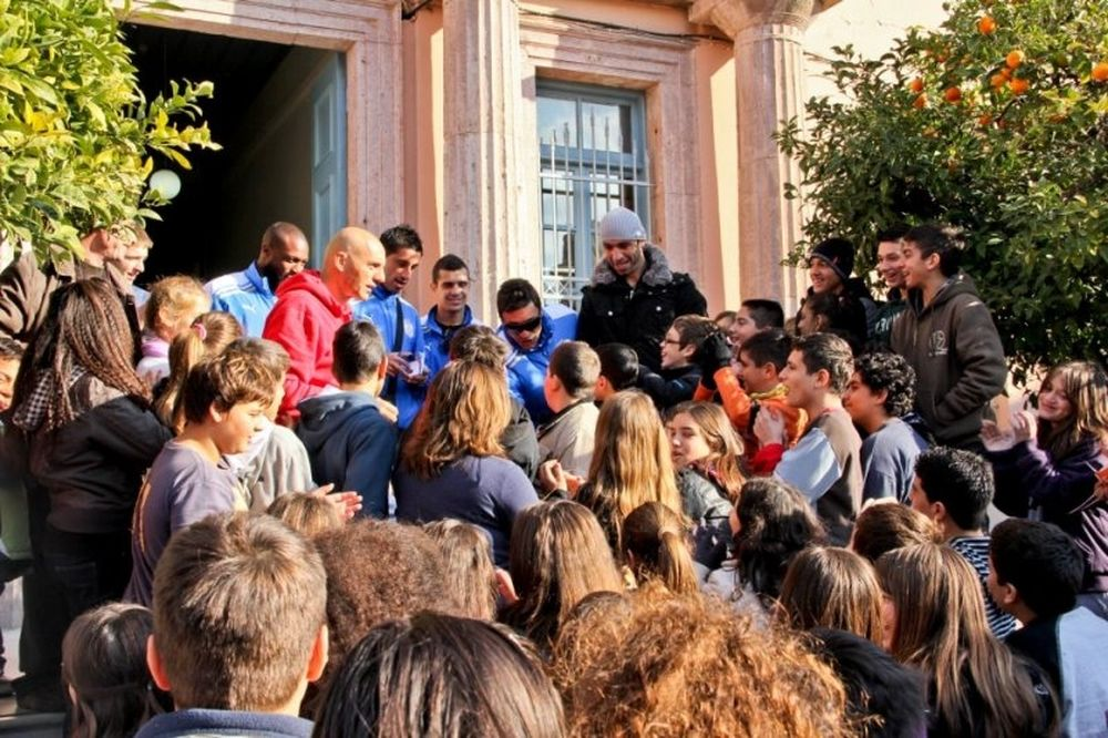 Κοντά στους μαθητές η ΑΕΛ Καλλονής (photos)