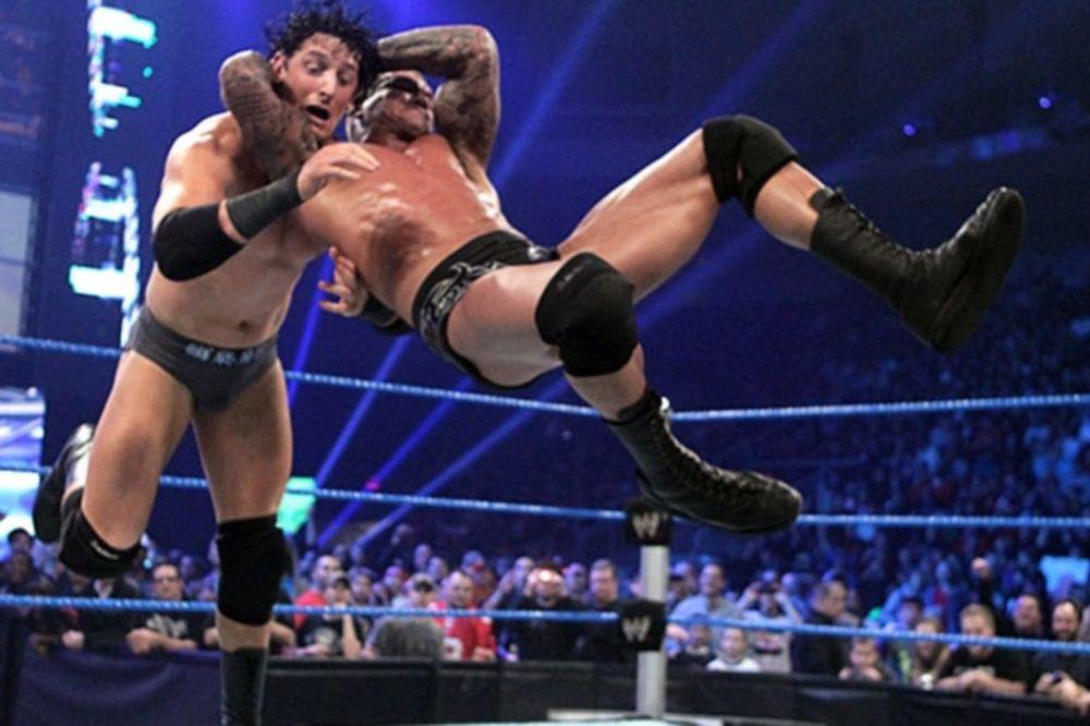 Την «πληρώνουν» άλλοι στο SmackDown