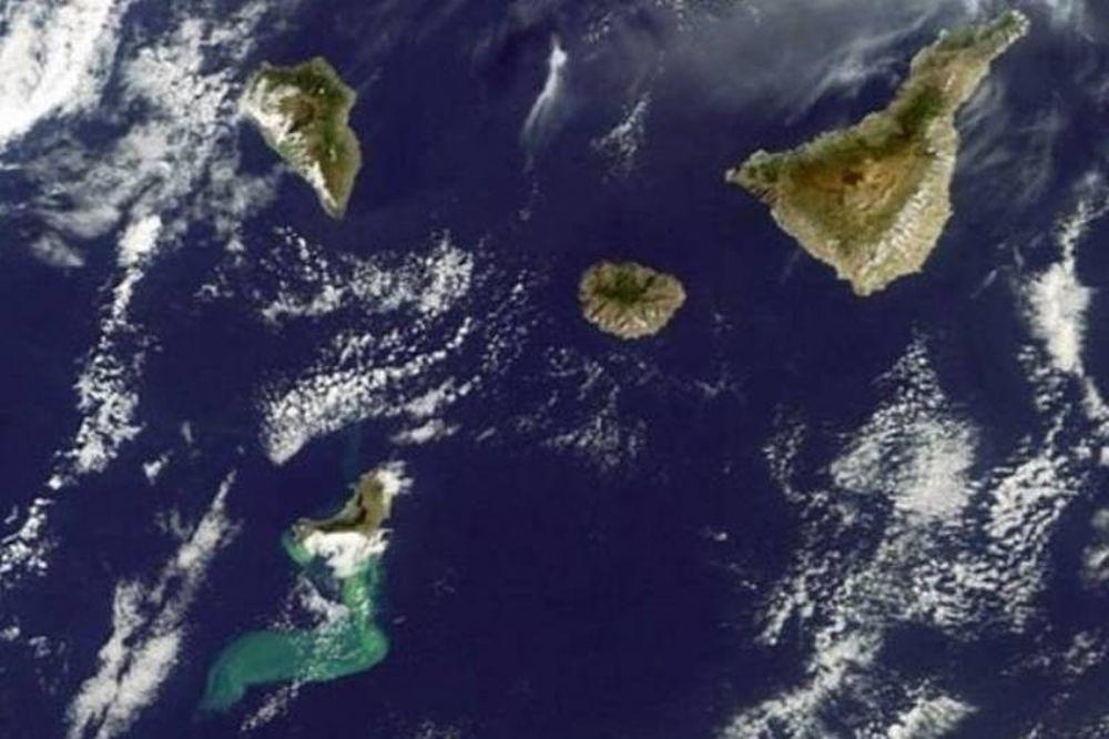Γεννιέται νέο νησί στα Κανάρια