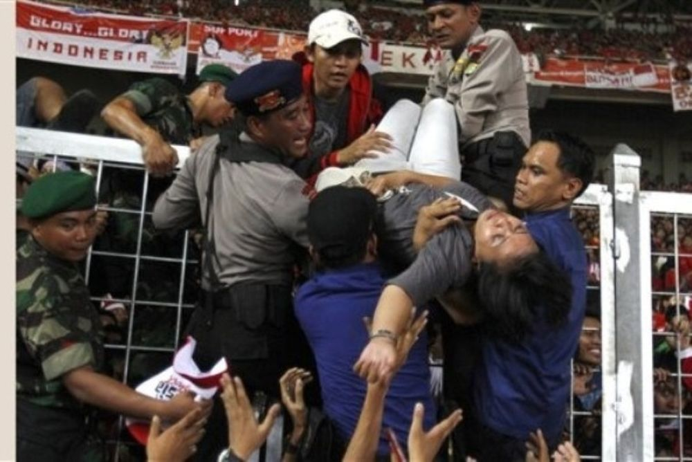 Νεκροί από επεισόδια στην Ινδονησία! (photos)