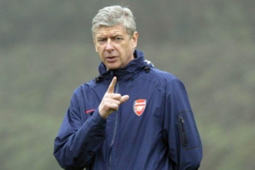 Βενγκέρ: «Επτά ομάδες διεκδικούν την Premier League»