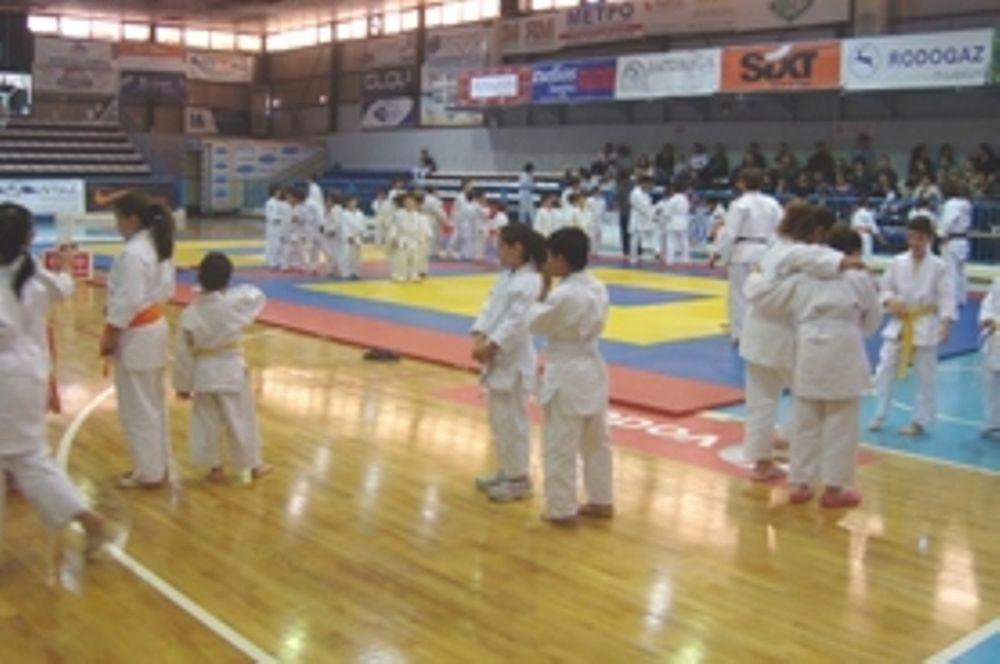 ΑΟΝΑ και ΕΟΣ Αχαρνών πρωταθλητές Ν. Ελλάδας
