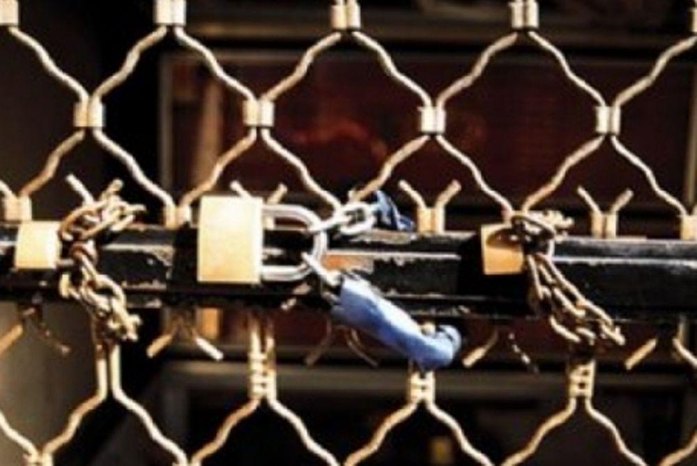 Λουκέτο «βλέπει» 1 στις 5 επιχειρήσεις το 2012