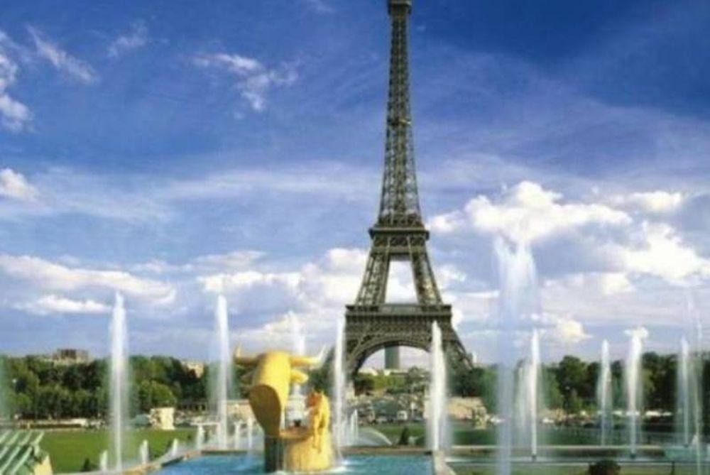 «Πρασινίζει» ο πύργος του Άιφελ