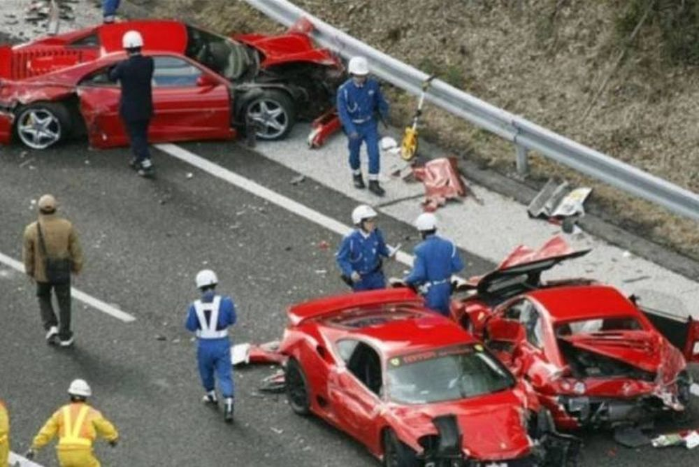Καραμπόλα με… 8 Ferrari και μια Lamborghini! (video)