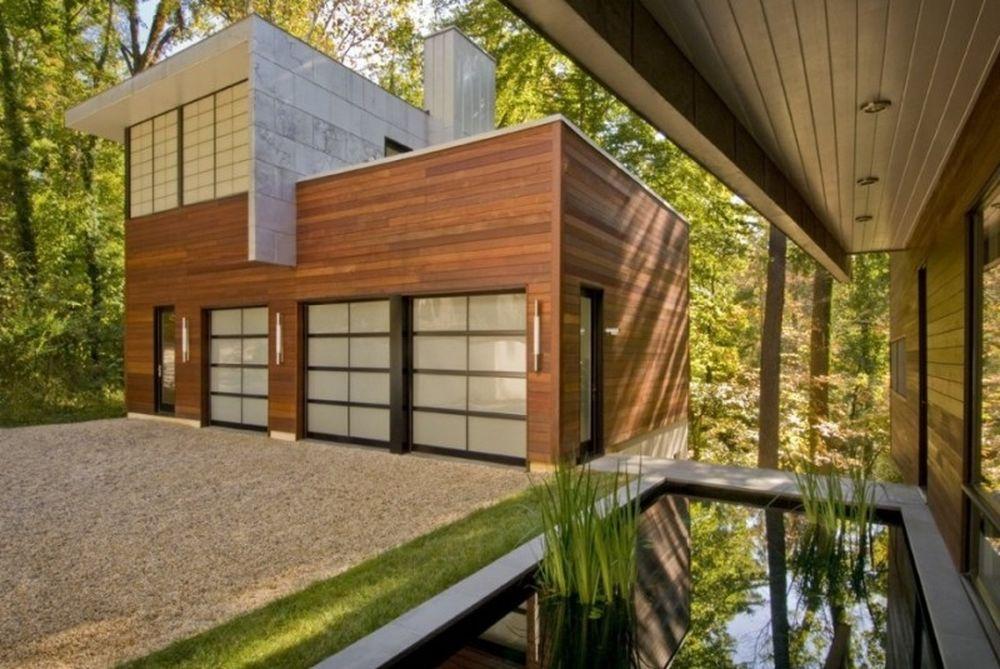 Ένα μοντέρνο σπίτι μέσα στο δάσος